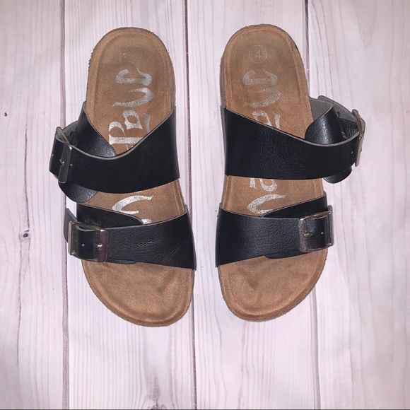 Other - ♡ 3/$25 Black Buckle Sandals ♡